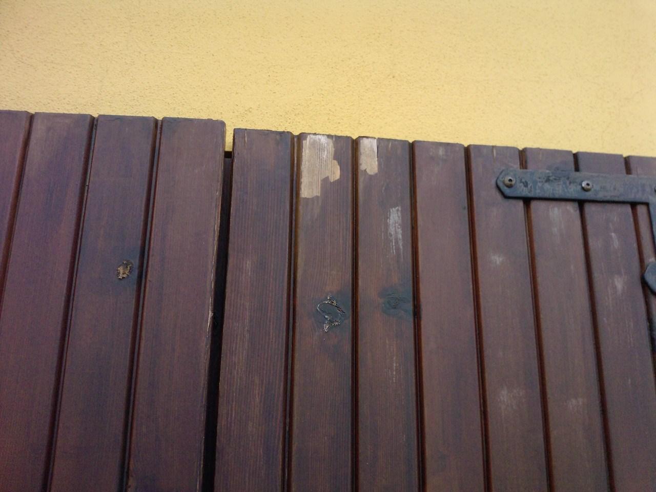 Verniciare le ante in legno